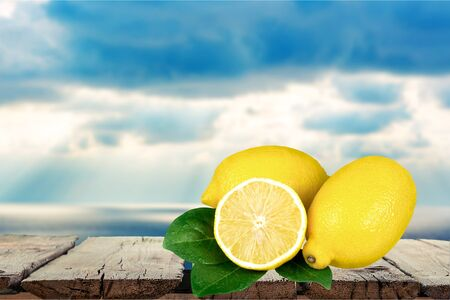 three objects: Lemon, Citrus Fruit, Fruit.