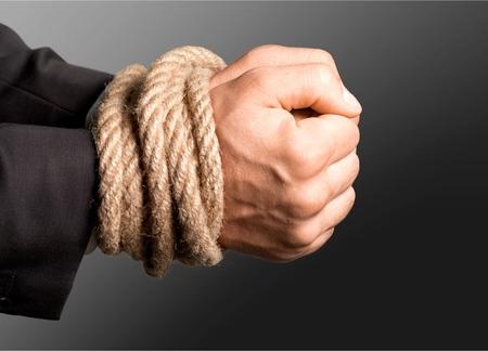 gefesselt: Gebunden, Menschliche Hand, Knoten.