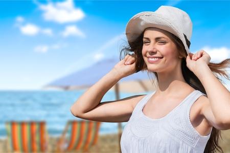 sunhat: Sunhat, tan, women.
