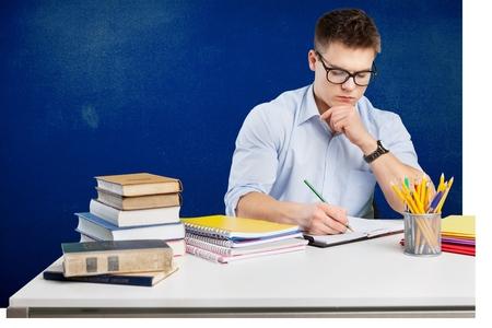 ESTUDIANDO: Estudiante, estudiar, humano.