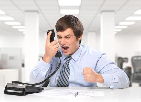 servicio al cliente: Estrés, Frustración, Teléfono.