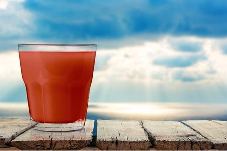 jugo de tomate: Bloody Mary, tomate, jugo.