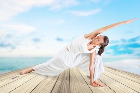 buena postura: Yoga, Ejercicio f�sico, Mujeres.