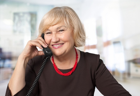etnia: Tel�fono, Mujeres, Oriental.