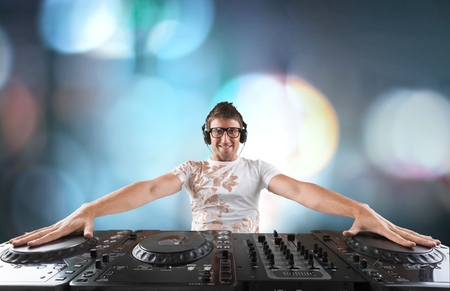 electronica: Party DJ, Turntable, Music.