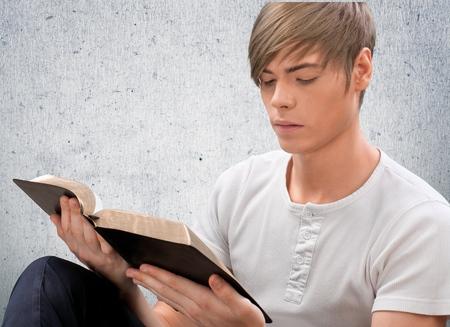 bible: Bible, Teenager, Latin American and Hispanic Ethnicity.