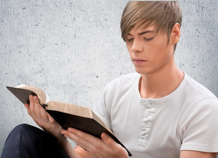 leer biblia: Biblia, Adolescente, Latinoamericano Etnia.