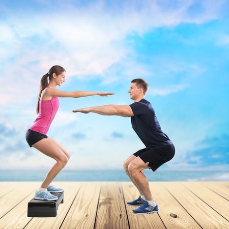 squats: Squats, trainer, bosu.