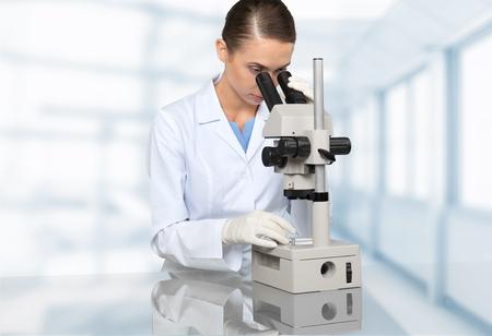 rd: Microscopio, la ricerca, Ricerca.