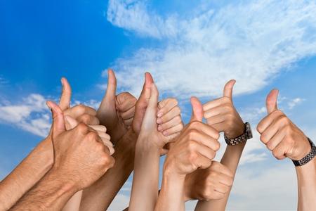 Duimen omhoog, overeenkomst, menselijke duim.