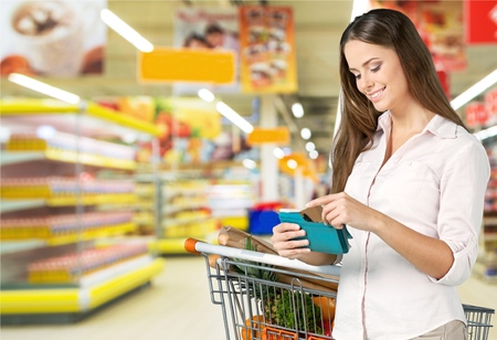 クーポン、スーパー マーケット、食料品。 写真素材