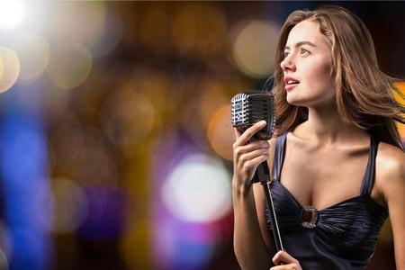Cantante, Palcoscenico, talento. Archivio Fotografico - 42686205