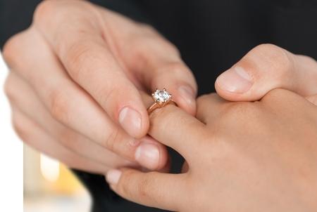 svatba: Svatba, snubní prsten, zásnubní. Reklamní fotografie