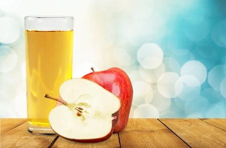 vaso de jugo: Jugo de manzana, jugo, Apple.