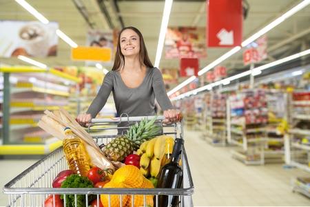 supermercado: Supermercado, Ir de compras, Comestibles.