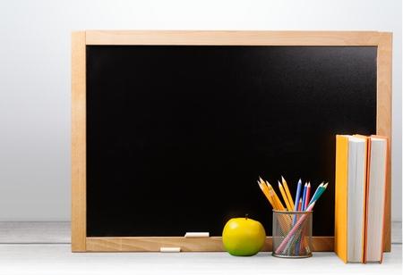 buena postura: Pizarra, Educaci�n, Libro. Foto de archivo