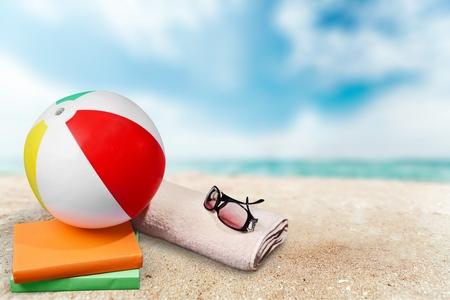 夏天,海滩球,太阳镜。
