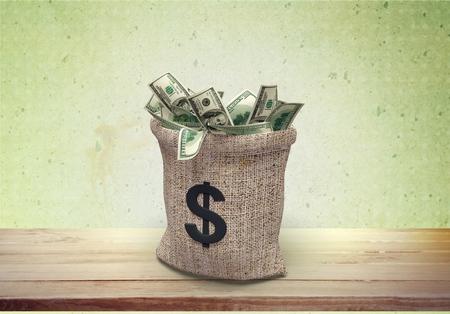 signo pesos: Bolsa de dinero, moneda, papel moneda. Foto de archivo
