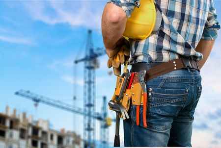 fontanero: Comerciante, cintur�n de herramientas, mujer. Foto de archivo