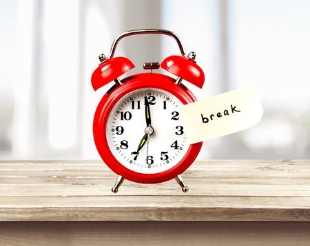 12 oclock: Break, Coffee Break, Resting.