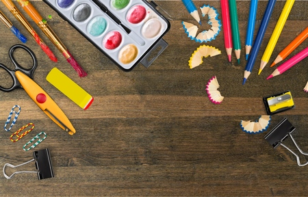 utiles escolares: School supplies, teaching, paper. Foto de archivo