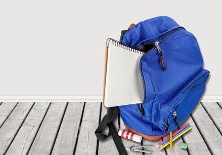 backpack: Escuela, mochila, espalda.