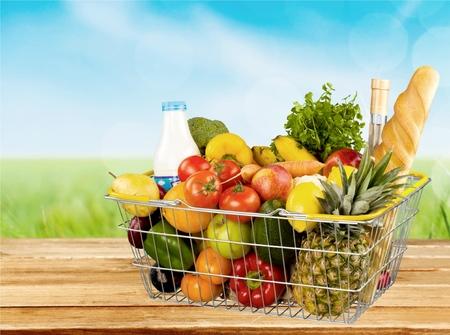 corbeille de fruits: Épicerie, panier, panier d'achat.