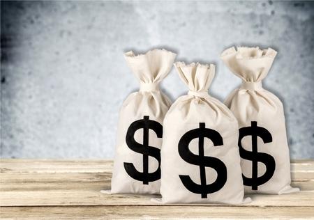 signo pesos: Bolsa de dinero, moneda, Símbolo del dólar. Foto de archivo