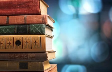 Libros, viejos, apilados. Foto de archivo - 43247068