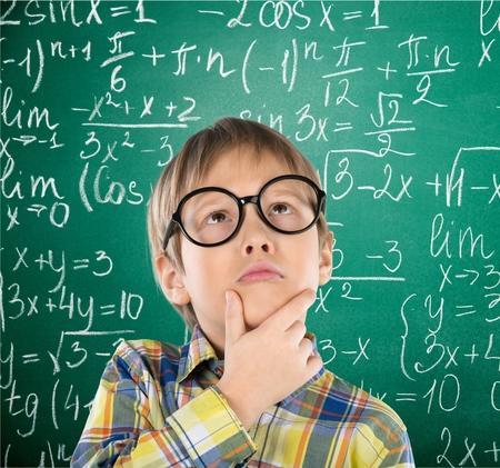 math: Kid, think, maths.