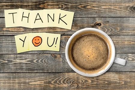 agradecimiento: Gracias, Gratitud, cara sonriente. Foto de archivo