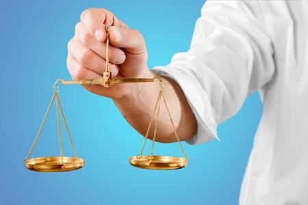 balanza en equilibrio: Báscula, Equilibrio, Escala.
