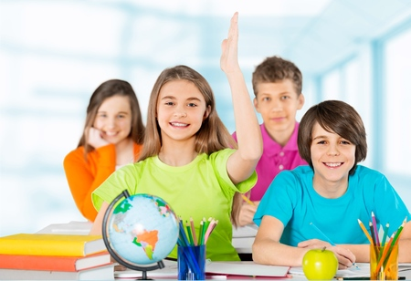 niños en la escuela: Niño, escuela, estudiante. Foto de archivo