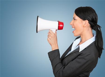 megafono: Megáfono, gritos, mujeres. Foto de archivo