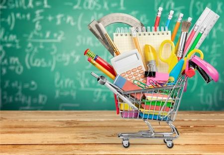 material escolar: Educación, regreso a la escuela, de compras.
