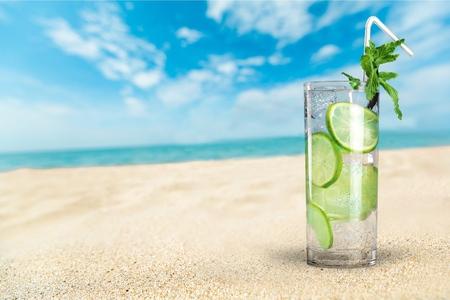 lime: Ice, water, tea.