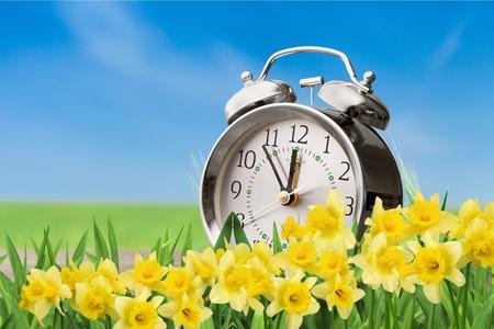 La luz del día, la hora del reloj.
