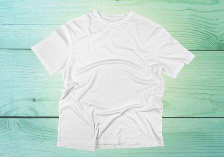 wrinkled: T-Shirt, White, Blank.