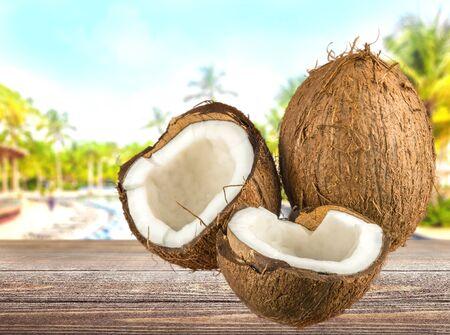 descriptive color: Coconut, Fruit, Coco.