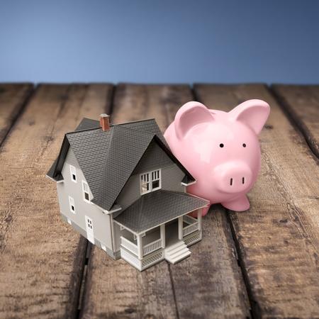 saving: House, Loan, Savings.