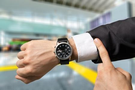 Tiempo: Tiempo, Mirar la hora, Urgencia.