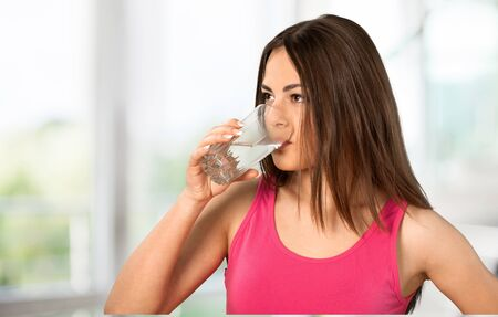 agua purificada: Agua.