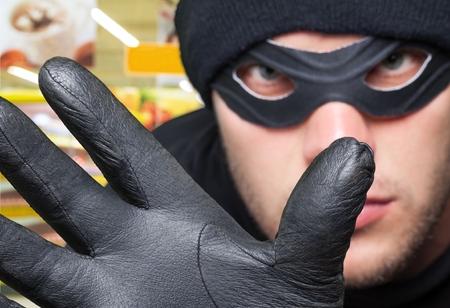 con man: Thief.