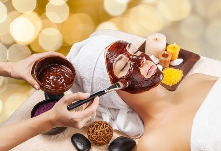 masajes faciales: Depilación con cera.