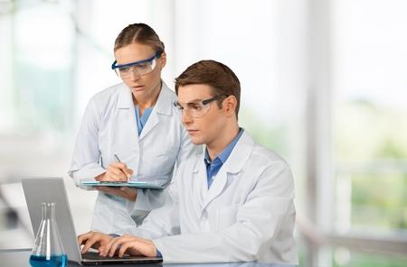 investigando: Laboratorio.