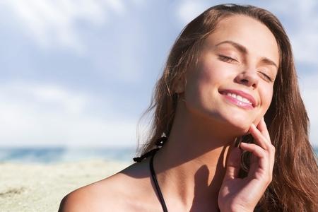 sun tanning: Sun tanning.