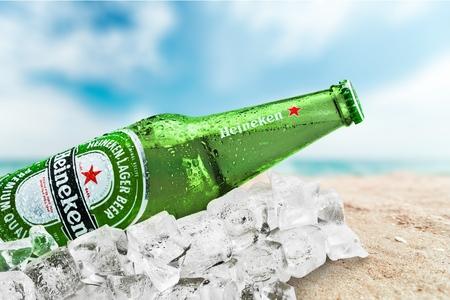 Heineken beer 에디토리얼
