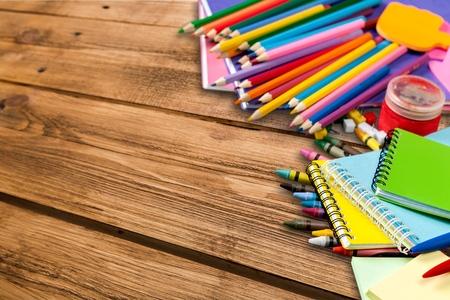 utiles escolares: Suministros escolares.  Foto de archivo