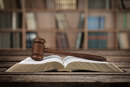 ley: Sistema legal.