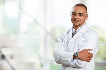 bata de laboratorio: Doctor.  Foto de archivo